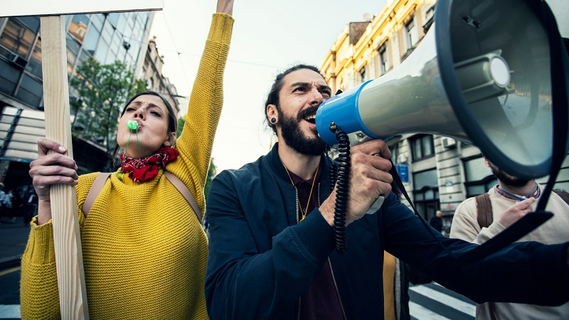 Sondaż: Polacy popierają protest mediów. Nie chcą wprowadzenia dla nich nowego podatku